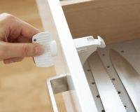 BABYDAN Magnetický uzávěr pro skřínky a zásuvky