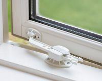 BABYDAN Zajištění okna 1 ks