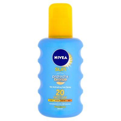 NIVEA Sun Intenzivní spray na opalování OF20