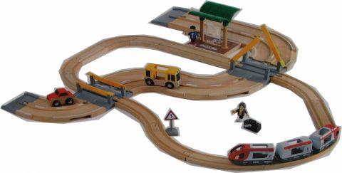 BRIO Vláčkodráha s os. vlakem, závorami a silničním přejezdem, 33 dílů